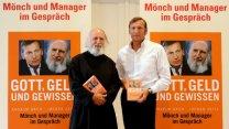 De monjes y empresarios
