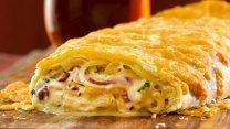 Strudel de cebolla y queso parmesano