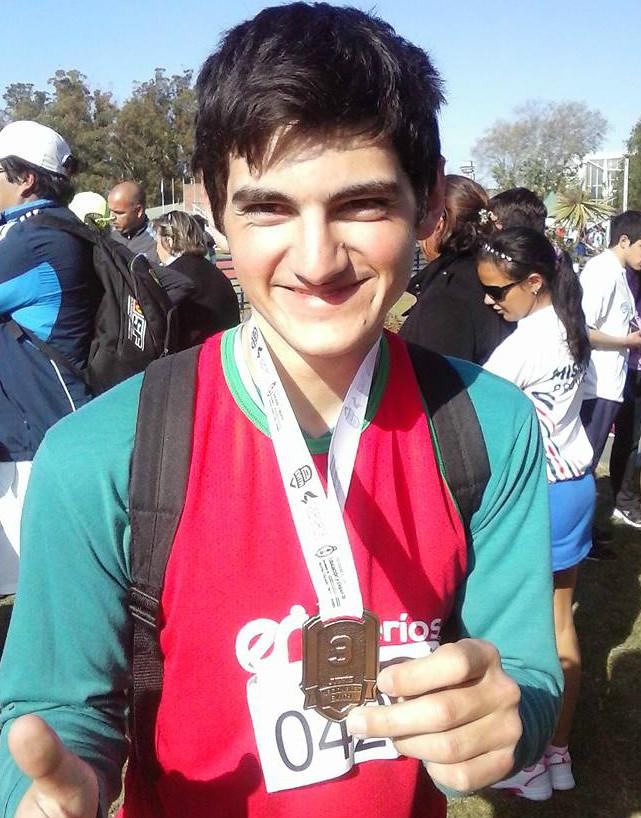 Ayrton, también medalla de bronce en lanzamiento de bala.