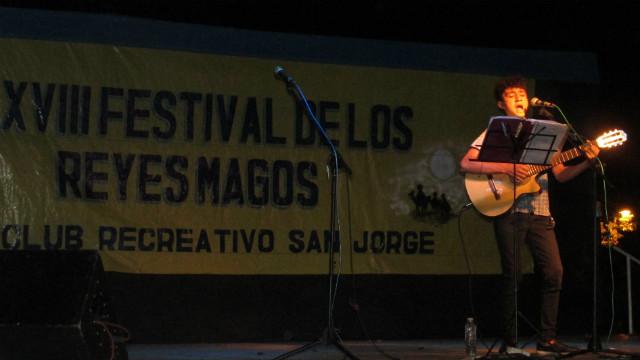 Mateo Viollaz, el primero en subir al escenario.