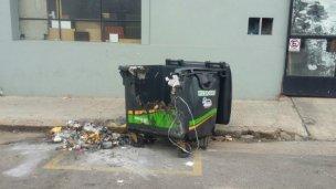 En un mes y medio, incendiaron 20 contendedores de residuos