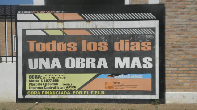 Cartel en la escuela Augusto Niez.