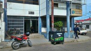 Ataque y amenazas con bombas molotov en sede de la UOCRA