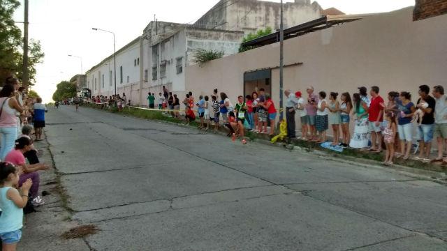 Los atletas corren por Lamadrid (foto de archivo).