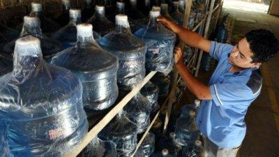 Agua envasada en Concordia fue decomisada en Federación