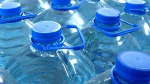 En Concordia también piden no consumir un agua envasada