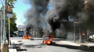 El fuego volvió a interrumpir el tránsito en el centro