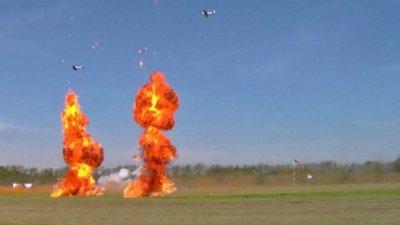 Un festival aéreo con bombardeos y acrobacias