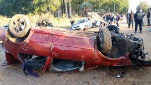 Impactante vuelco en el camino a Ayuí: Hay tres heridos