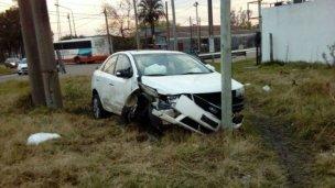 El airbag los salvó en un violento impacto