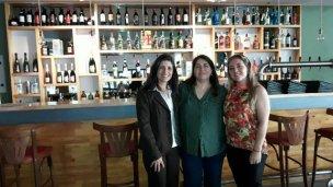 Seis meses después del incendio, el bar reabrió sus puertas
