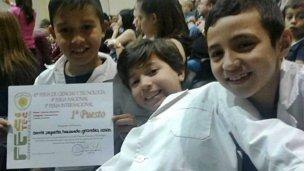 Con nueve años y junto a su ciencia, viajarán a Brasil