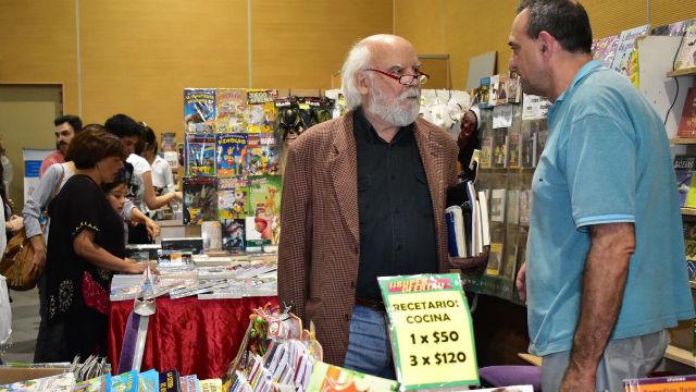 Sasturain, en la Feria del Libro de Concordia.