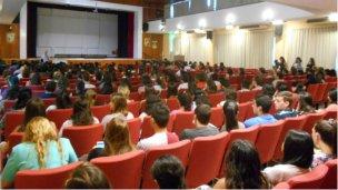 Estudiantes y Ex Alumnos se animarán al escenario del IPC