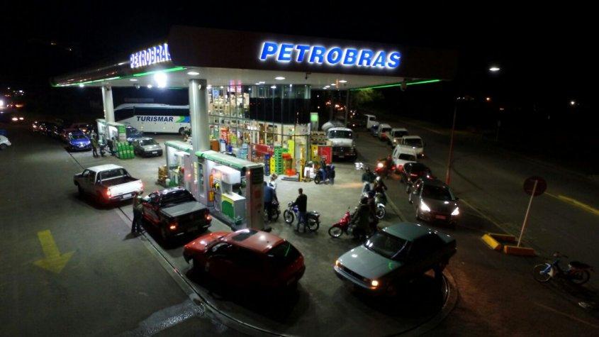 Una huelga patronal deja sin combustible a Uruguay