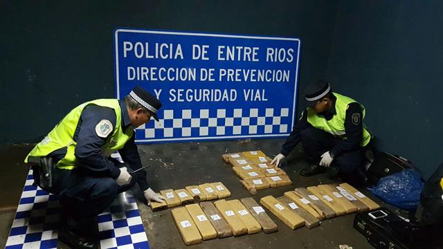 Secuestraron más de 30 kilos de marihuana en la Autovía 14