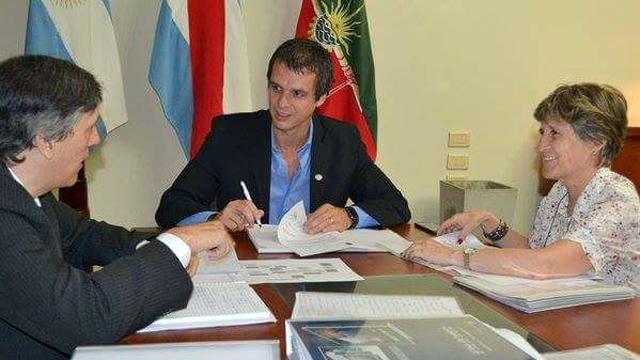 Sierra y Petit en reunión con Enrique Cresto