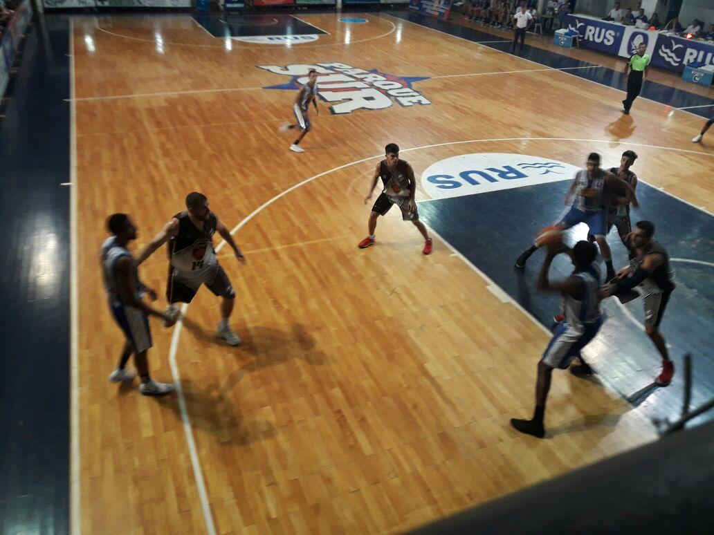 El partido se disputó anoche, en cancha del club de Concepción del Uruguay.