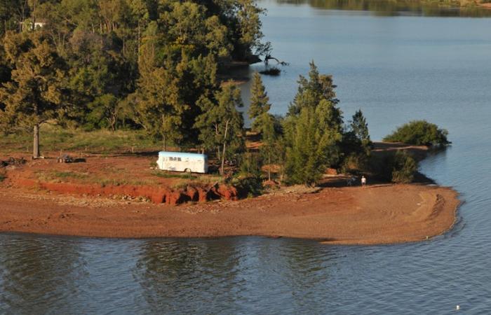 La erosión en las costas del lago