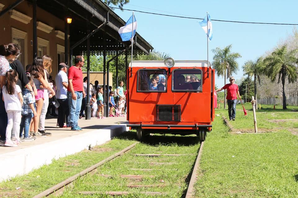 500 pasajeros tuvo el primer domingo de paseos, del Ferroclub de Gualeguay.