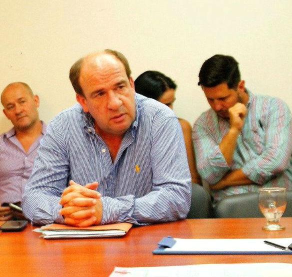El diputado Vitor fijó posición sobre la investigación por los contratos de la Legislatura.