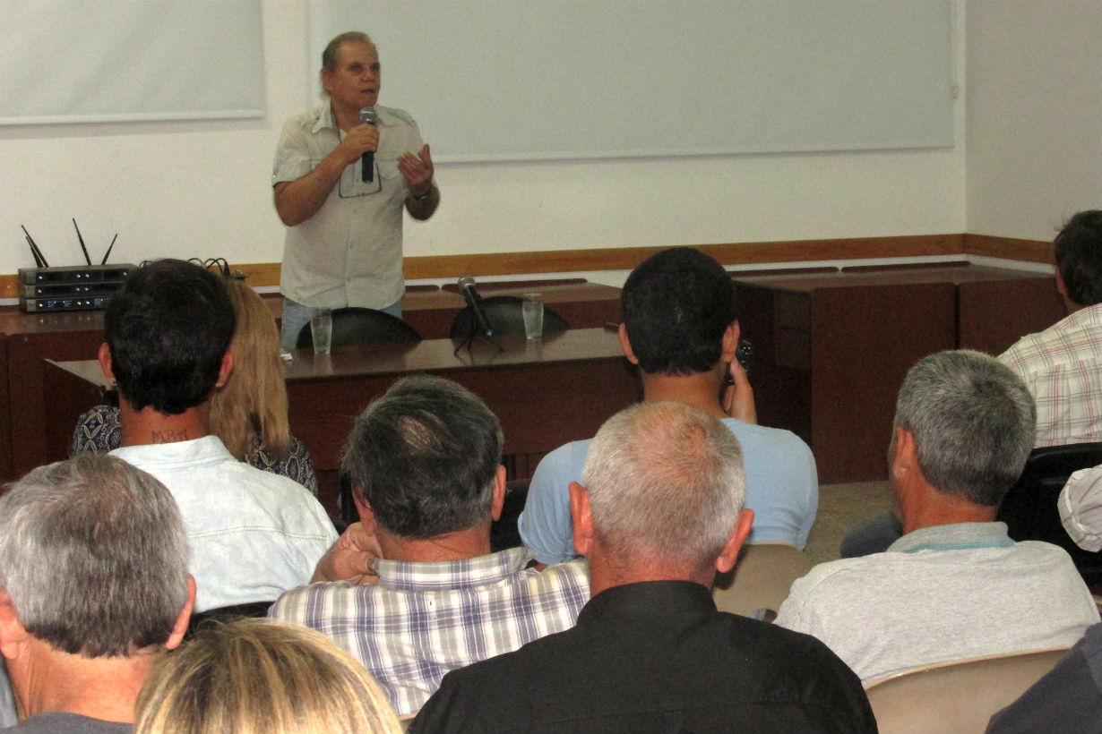 Rafael Pirolla, presidente del Ferroclub Central Entrerriano, encabezó el encuentro.
