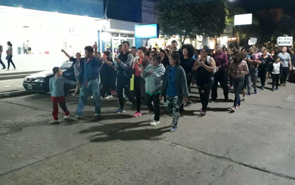 El esposo y uno de los hijos de Monge encabezaron la movilización (foto: Chajarí al Día).