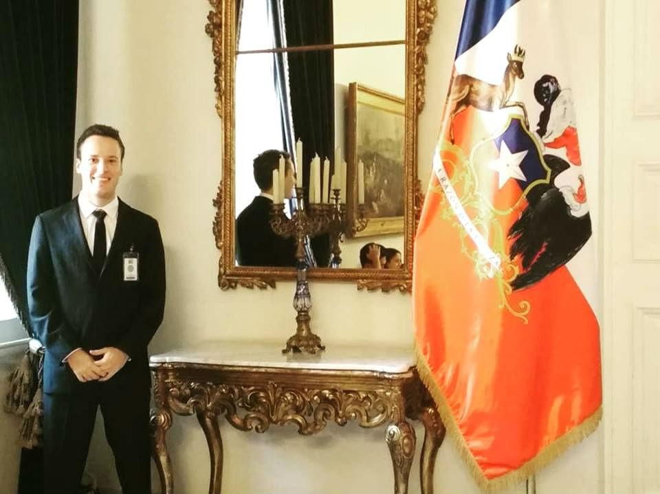 A principios de 2018 estuvo en Chile, también becado como estudiante universitario.