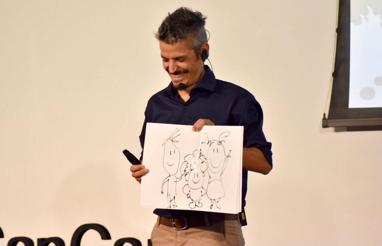 Ramiro se define como autodidacta, cuando se le pregunta por su pasión por dibujar.