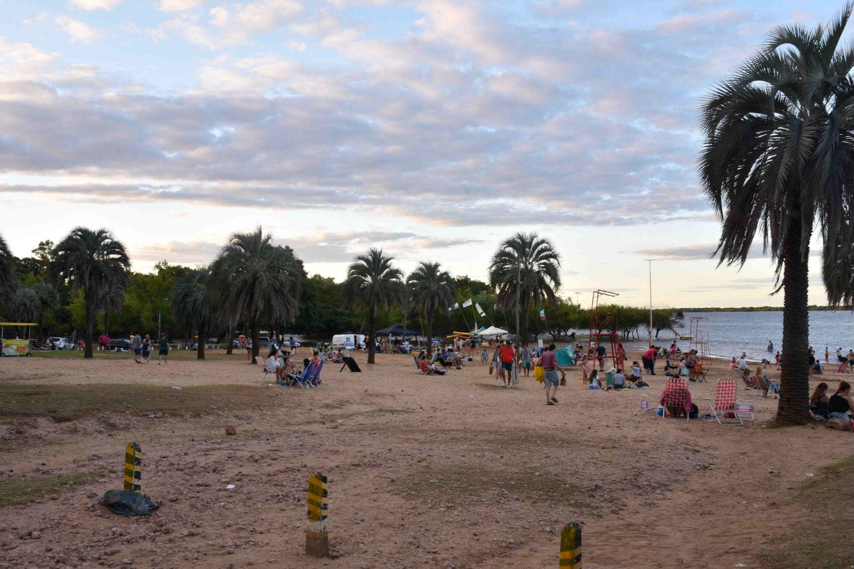 Sol y buen clima, nuevamente en las playas de Colón (foto: Rubén Comán).