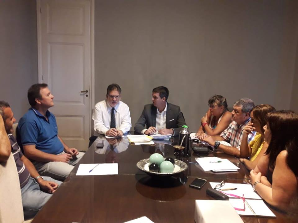 Francolini junto al intendente Cresto, este miércoles en la reunión del EMCONTUR.