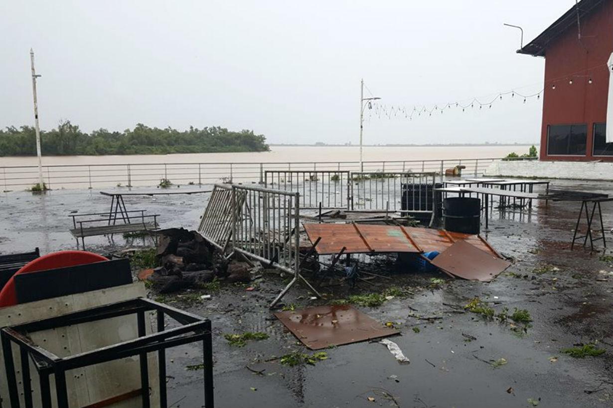 Destrozos en la feria (Crédito: Paraná Hacia el Mundo