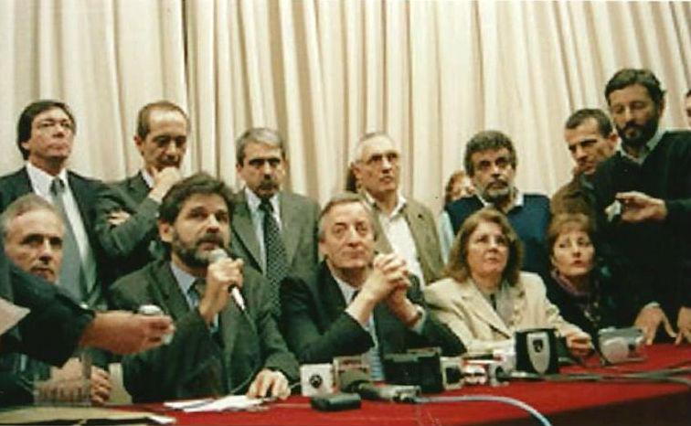 27 de mayo de 2003: a dos días de haber asumido, el presidente Néstor Kirchner llegó a Paraná.