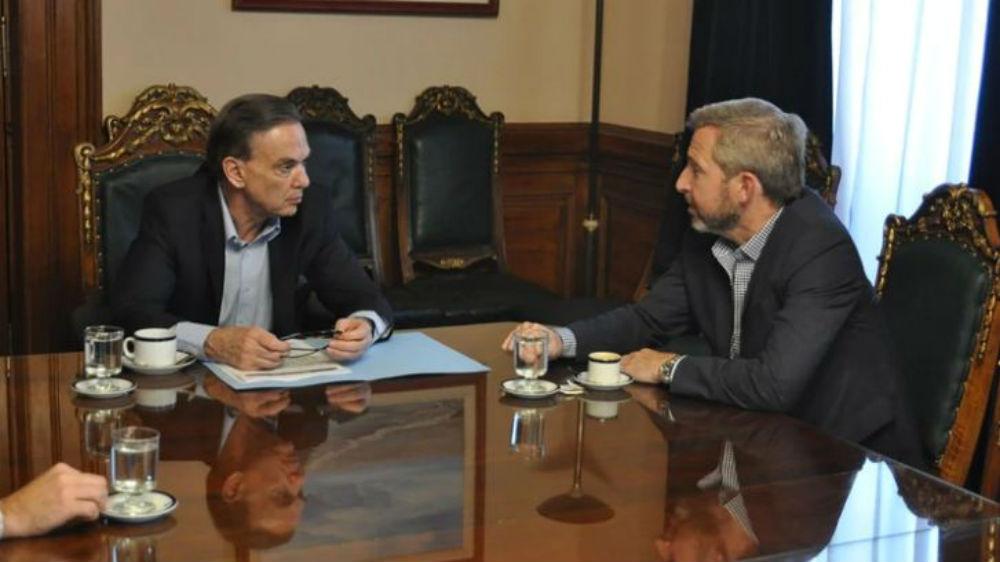 Pichetto sería el que convenció al Gobierno de llegar a un acuerdo que negocia con Rogelio Frigerio.