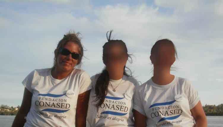 La detenida, colaborando para la Conased