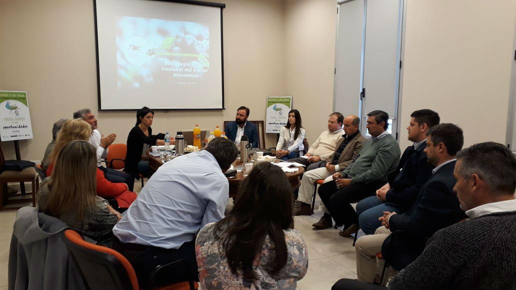 La reunión se realizó en Concordia, ciudad clave para la siembra y cosecha de arándanos en Argentina.