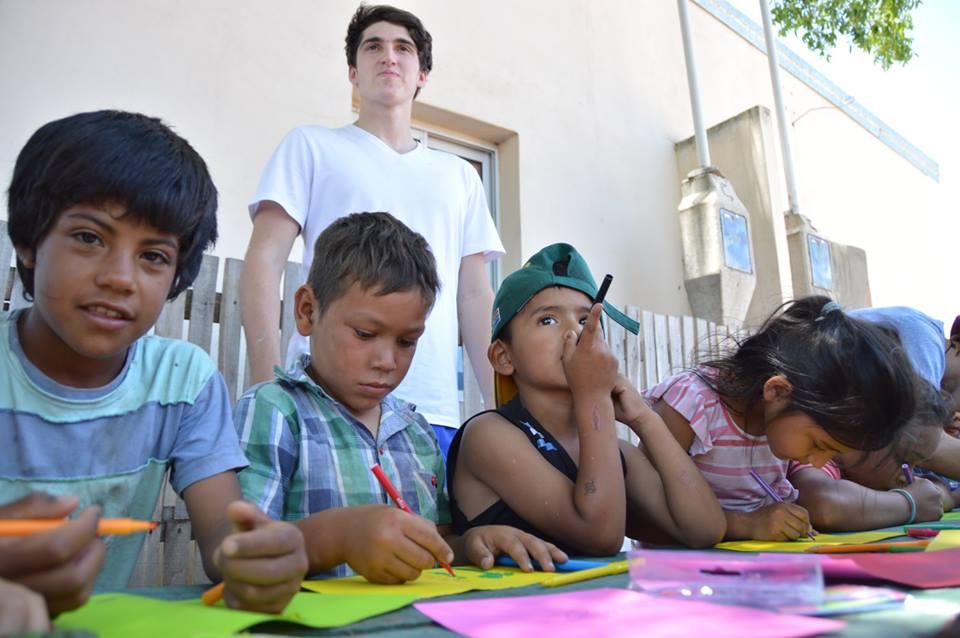 El vínculo con los gurises del barrio fue clave para que los jóvenes siguiesen conectados con Concordia.