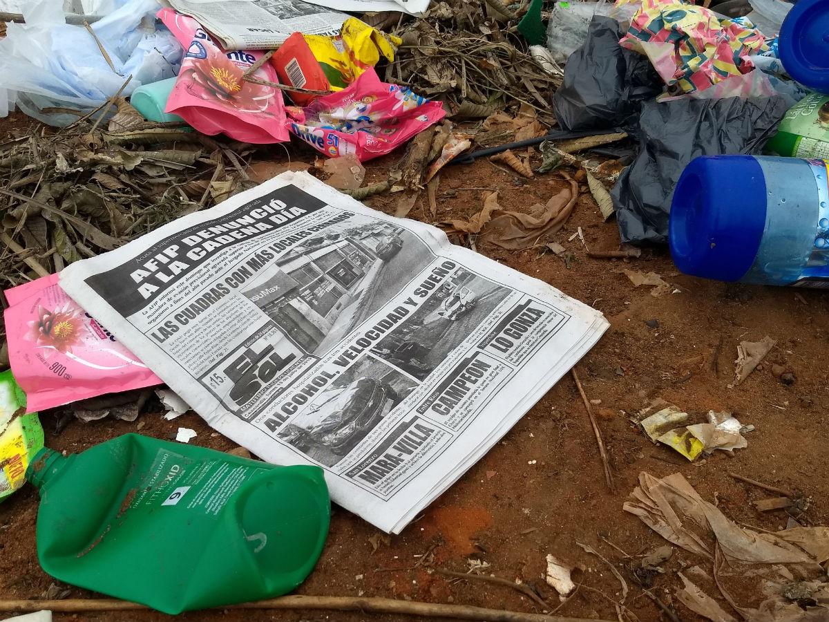 El diario convertido en basura. Así quedan muchos de los desechos domiciliarios de Concordia.