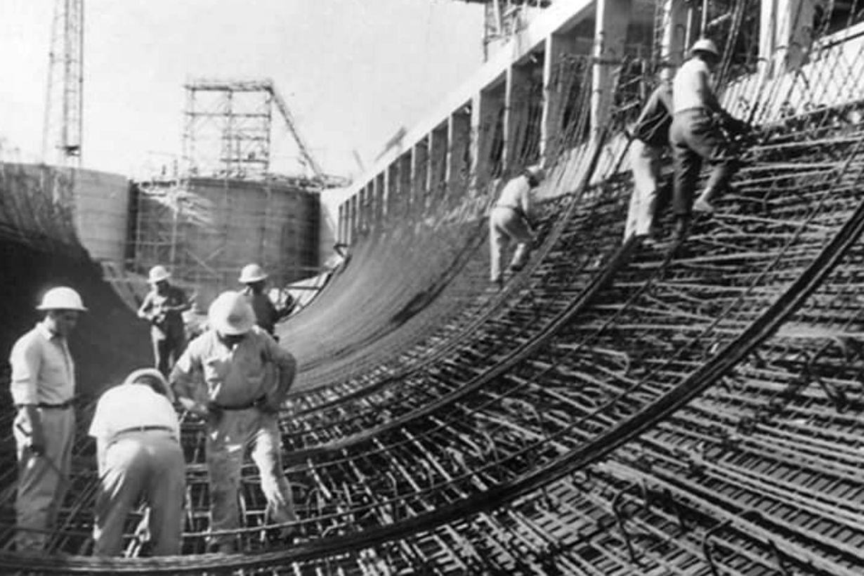 Los trabajadores, durante la construcción