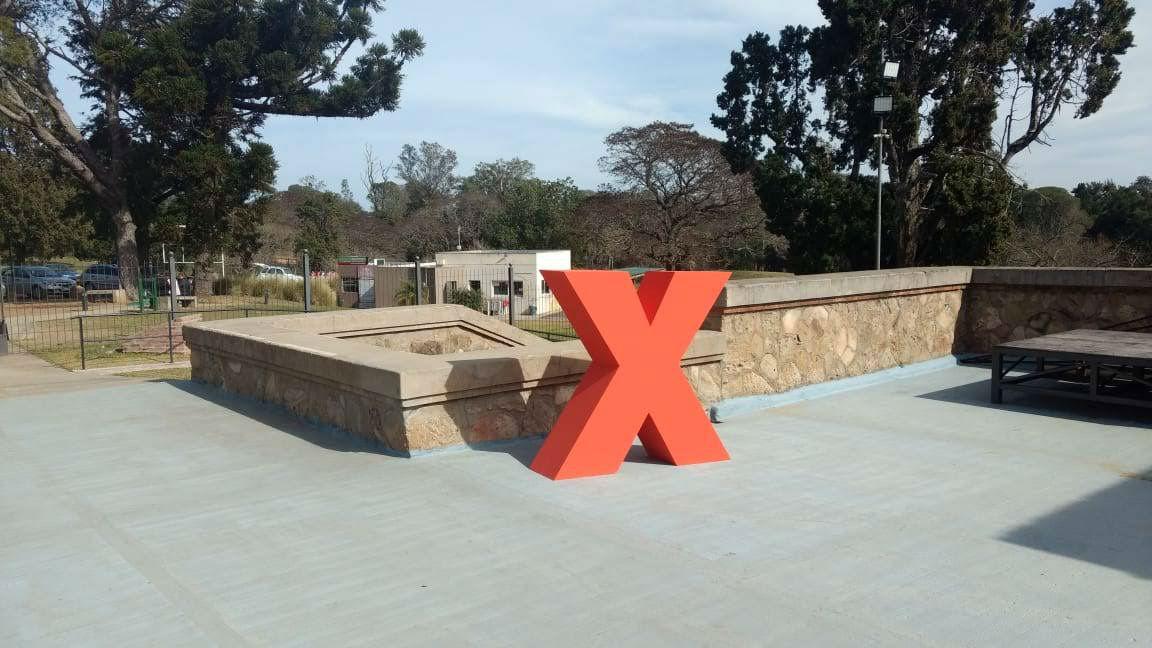 La equis ya está en su lugar: este año el segundo evento del TEDx Parque San Carlos será en el castillo.