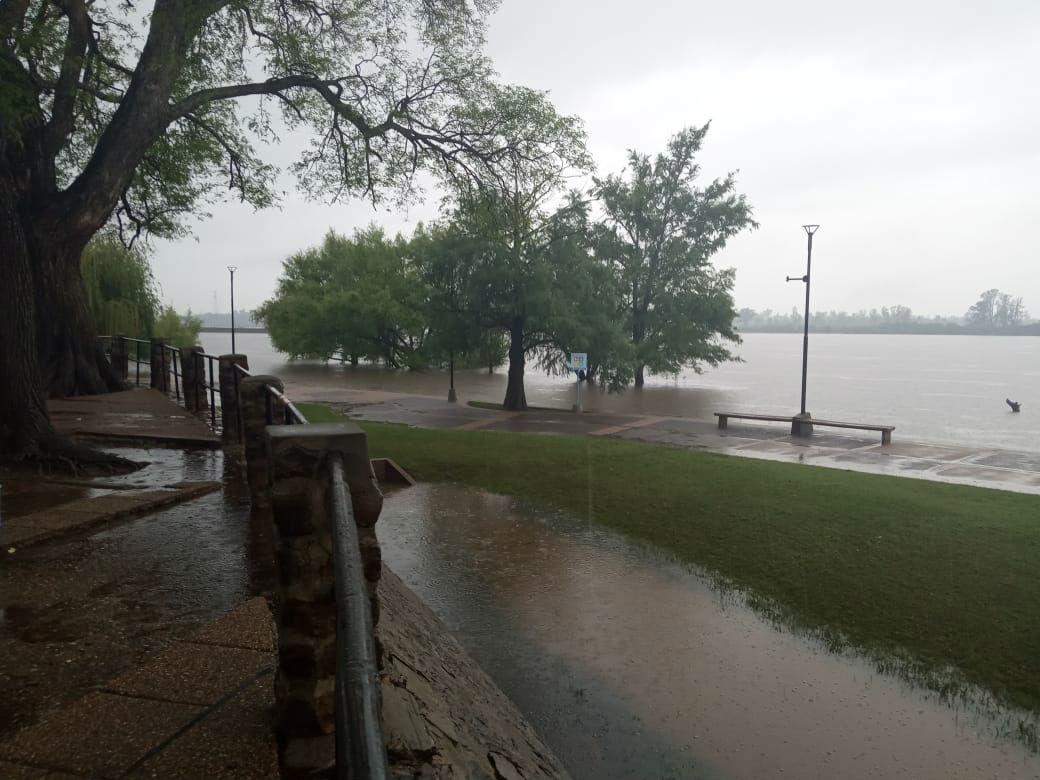 El lunes volvió a llover en Concordia, luego del impasse de este domingo (foto: EER).