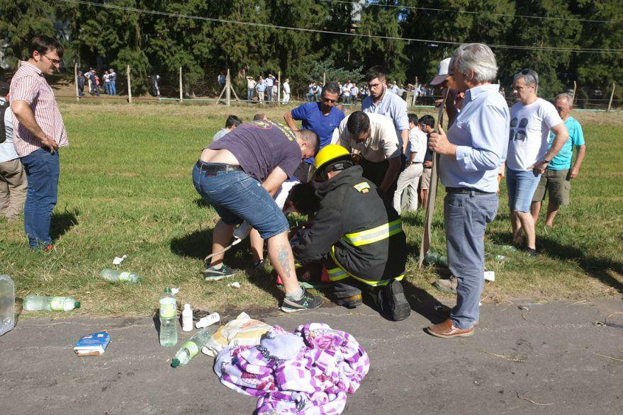 Los bomberos trabajaron en el rescate (Crédito: Reporte 2820)