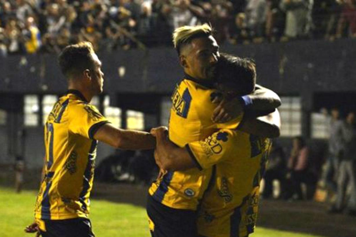 El primer abrazo de gol para el de Concordia, que selló el empate entre el líder y su escolta.