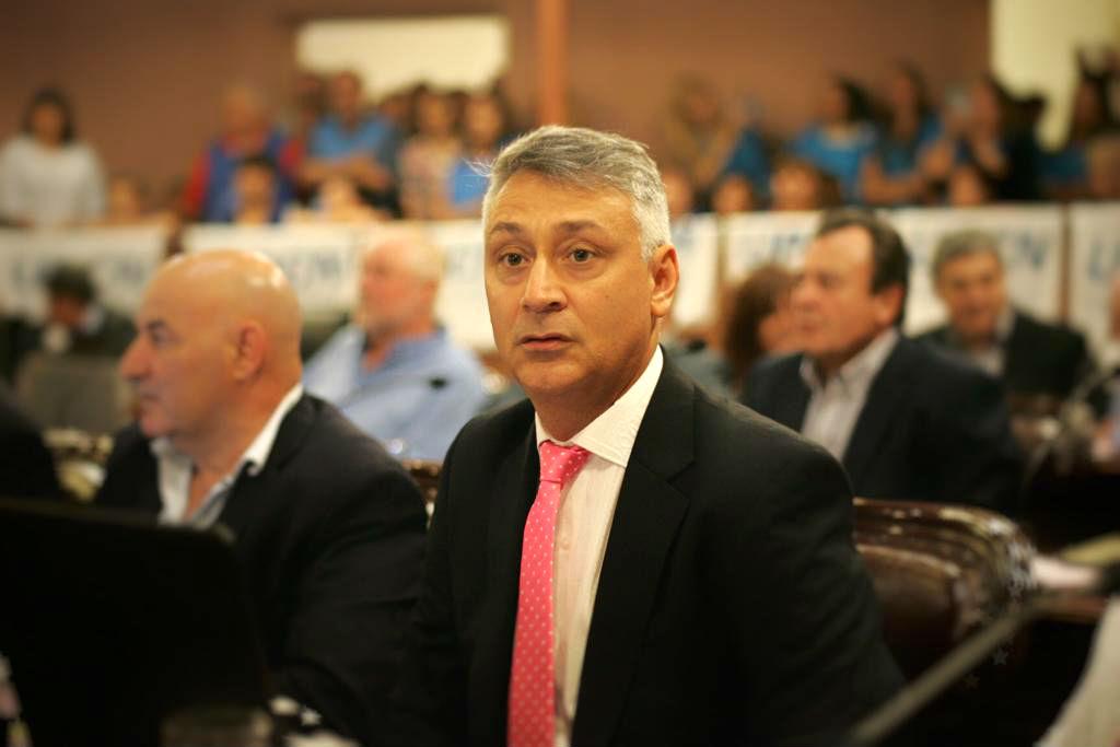 El de María Grande está terminando su mandato como diputado.