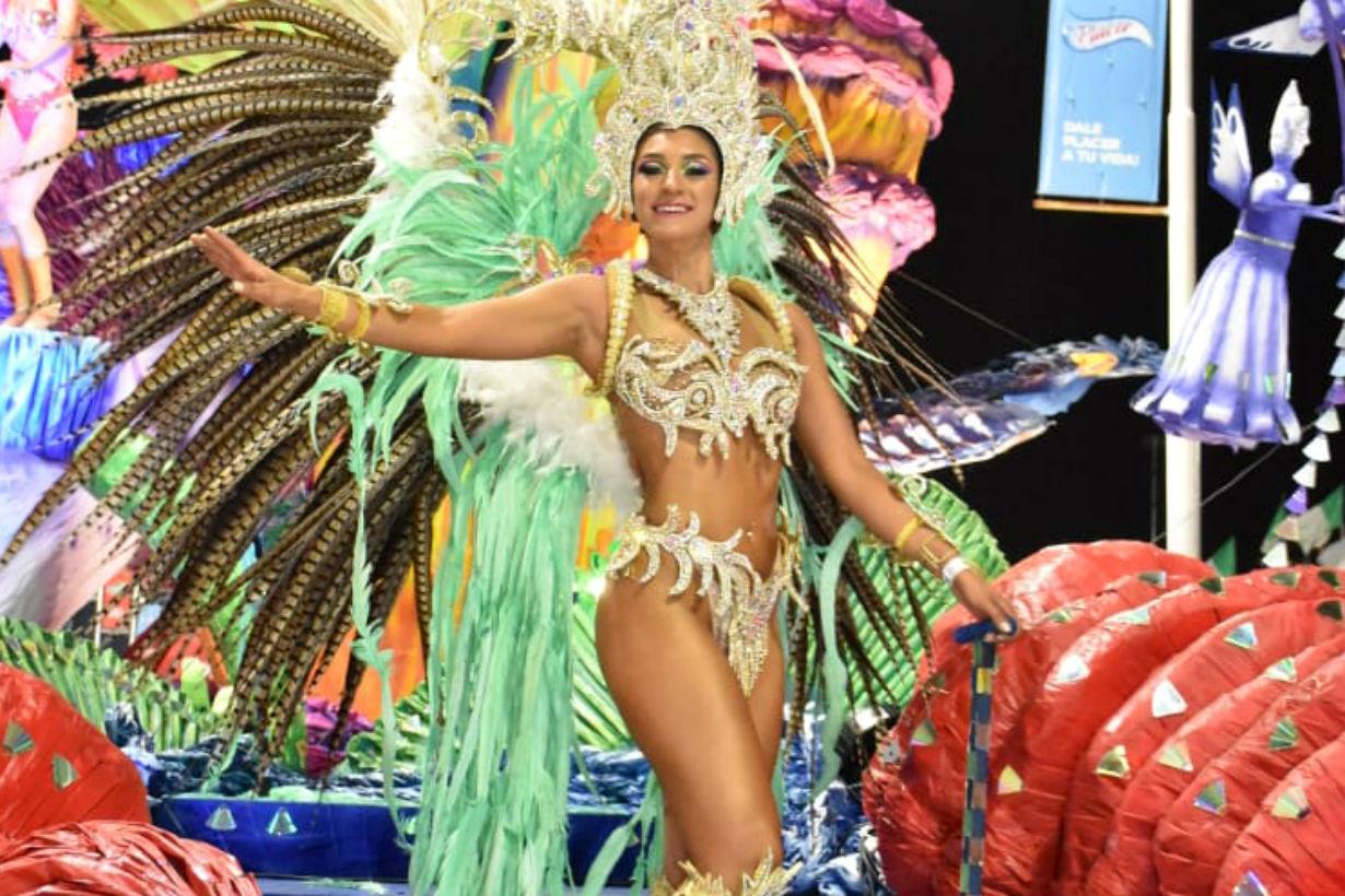 Fátima Monzón es la soberana de la comparsa nacida en el barrio de La Bianca.