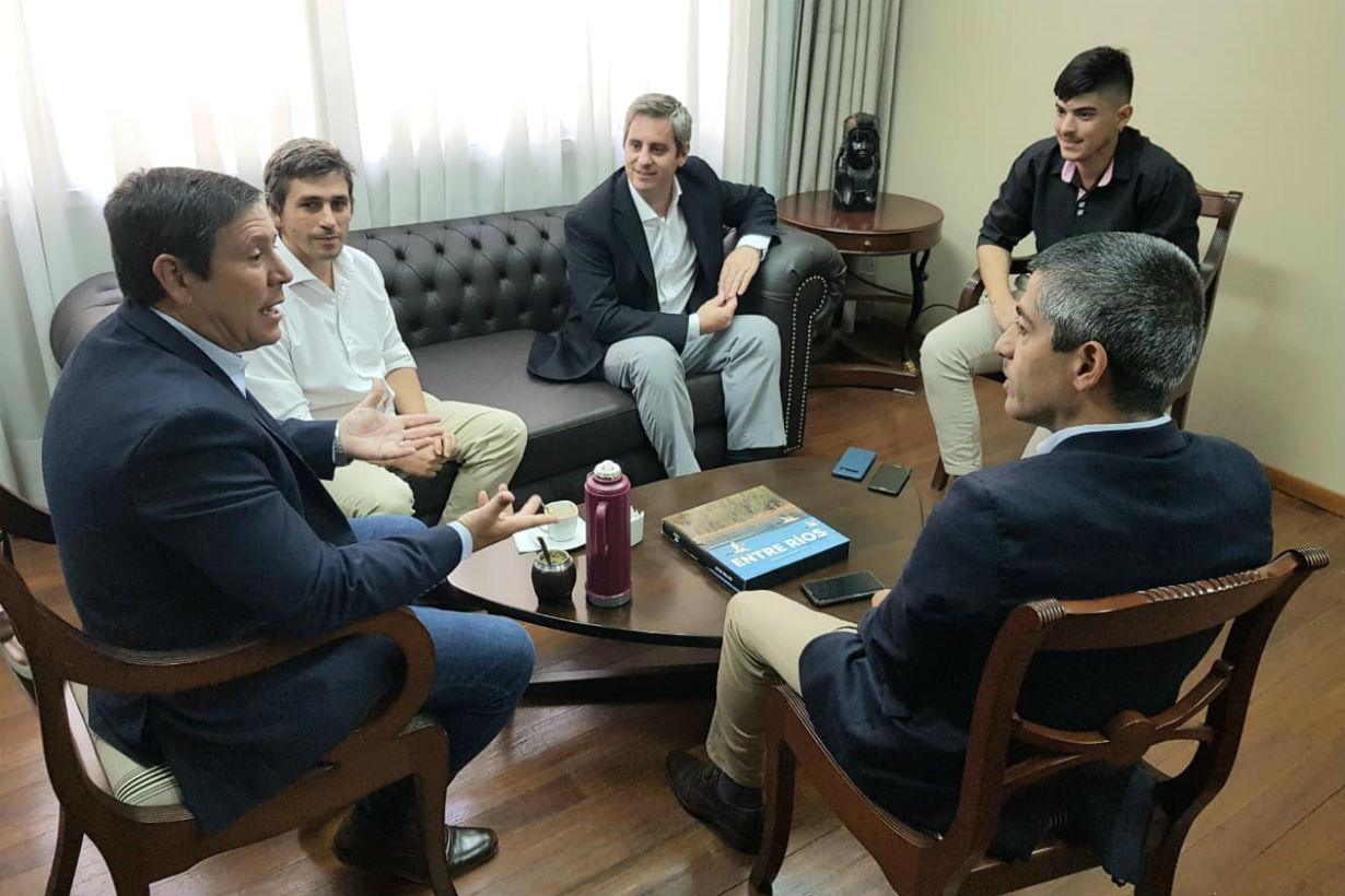 El intendente José Luis Walser, recibido por José Carlos Ostrosky, en Casa de Entre Ríos.
