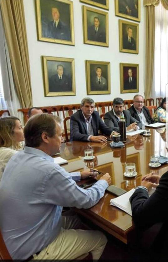Santa Cruz participó de la reunión de senadores con Bordet y Stratta.