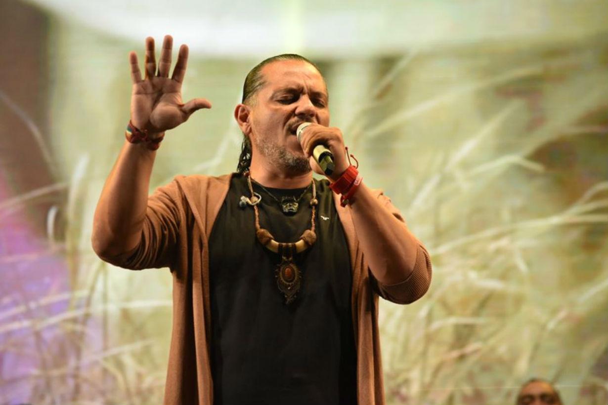 Rojas por primera vez cantó como solista y no acompañando a su hermano Jorge.