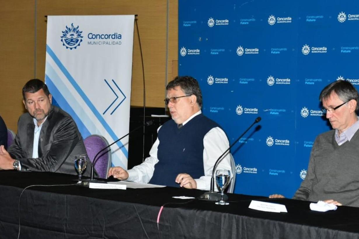 El intendente Francolini encabezó el encuentro realizado en el Centro de Convenciones de Concordia.