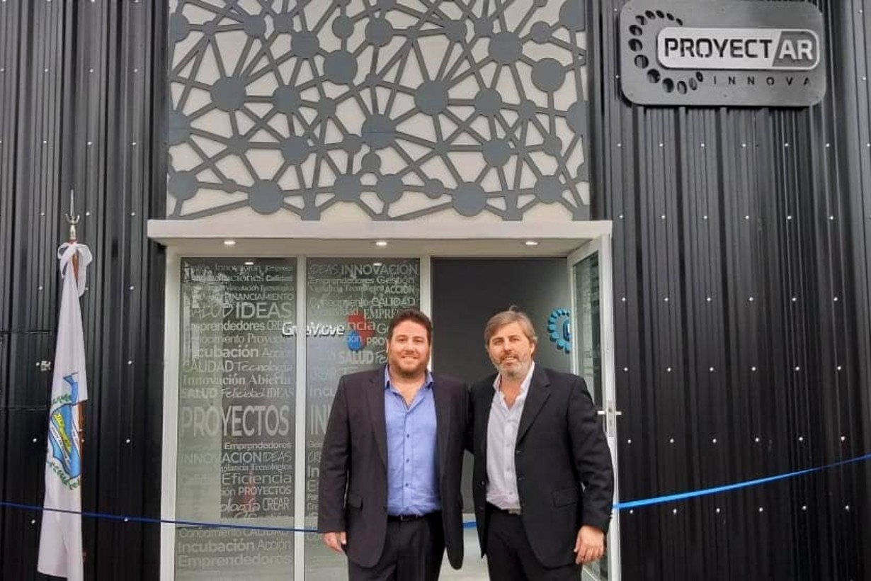Rodríguez y Planas, en la empresa Innova ubicada en Oro Verde, Entre Ríos.